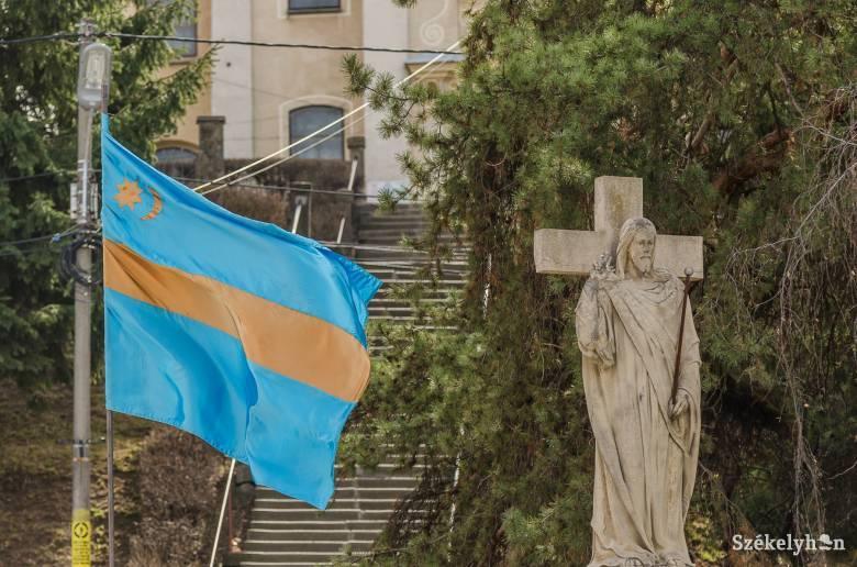 Dan Tanasă belekötött egy zászlóba, de ezúttal mellényúlt