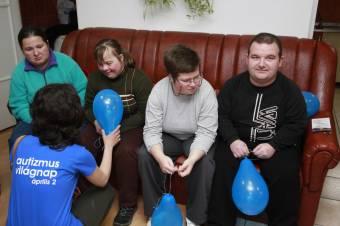Segítenék az autizmussal élőket: miniszterelnöki rendelettel létrehozták az erre vonatkozó stratégiát kidolgozó bizottságot