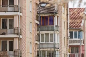 Még mindig emelkednek az egyébként sem alacsony lakásárak Romániában