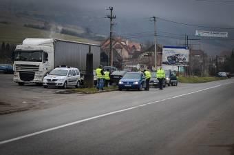 Veszélyes előzés helyett megelőzés: közel hatezer bírságot róttak ki a közúti rendőrök egy európai akció során