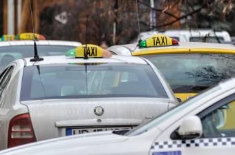 Elégedetlen a lakosság a taxisok szolgáltatásaival