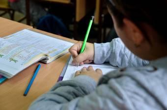 """Diákokat és """"csibészeket"""" is támogat a csíkszeredai Rotary Club"""