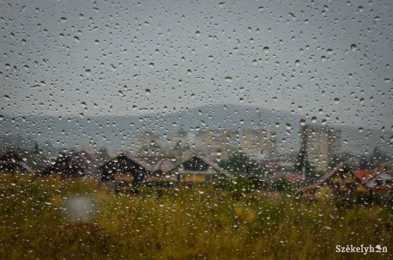 Elsőfokú viharriasztást adtak ki Székelyföldre is