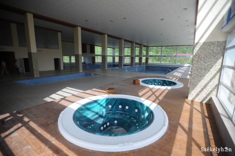 Petíciót indítottak a beltéri medencék és a gyógyfürdők újranyitásáért