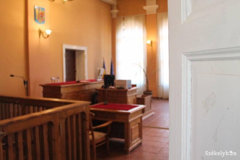 A Legfelsőbb Bírói Tanácstól kérik, hogy állítsa vissza a régi rendet Kovásznán és Zágonban