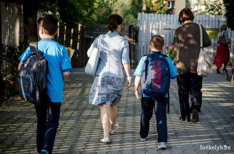 Kétezer erdélyi magyar iskolakezdő kap ösztöndíjat a Rákóczi Szövetségtől