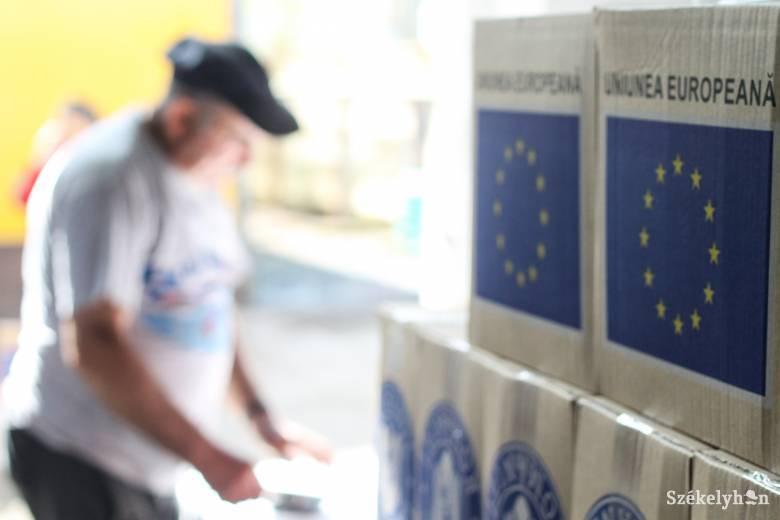 Osztják az élelmiszercsomagokat Marosvásárhelyen