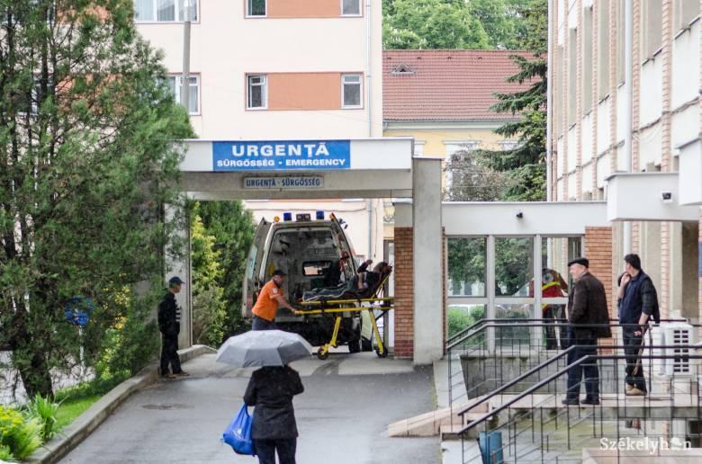 A székelyudvarhelyi kórházban továbbra is csak a fertőzött és a sürgősségi eseteket fogadják