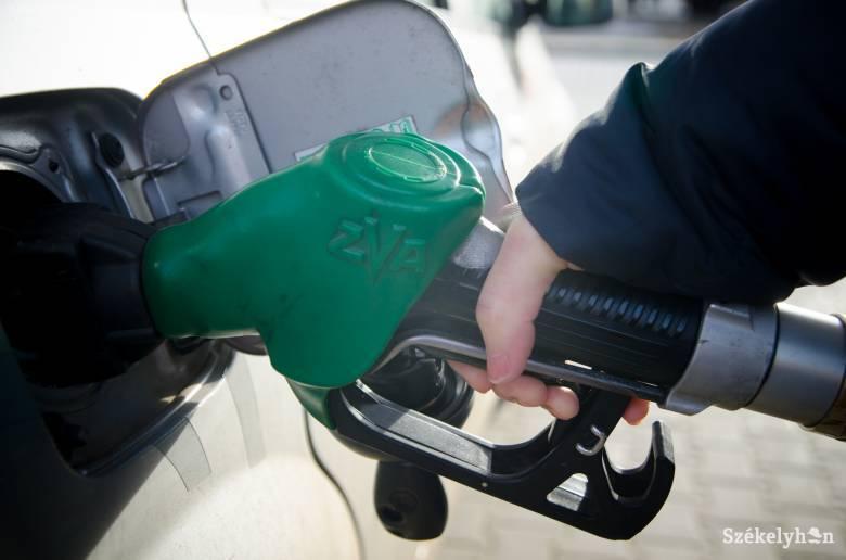 Újabb lélektani határ: már hét lejbe kerül a prémium benzin litere