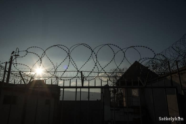 Módosított Btk.: 15 év börtön is járhat a járvány leküzdésének meghiúsítása következményeként