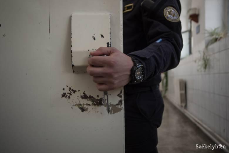 Gyilkosságért elítélt korábbi cellatársak már szabadok, Bekének és Szőcsnek viszont börtönben kell maradnia