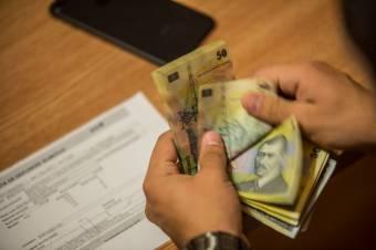 Nálunk a legmagasabbak a munkabérek terhei: az 1000 eurós bruttó fizetésből Romániában marad a legkevesebb