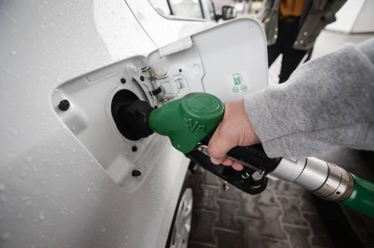 Romániában drágultak az egyik legnagyobb mértékben a személyszállításban használt üzem- és kenőanyagok