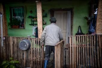 """Ketyeg a """"bomba"""" a mélyszegénységben élők körében a járványhelyzet miatt"""