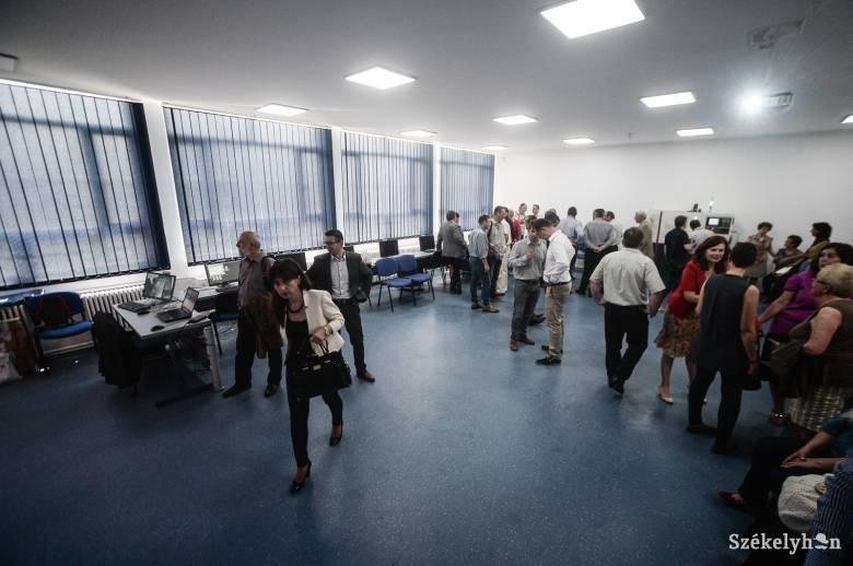 Korszerű iskolai CNC-marós szaktermet avattak Udvarhelyen