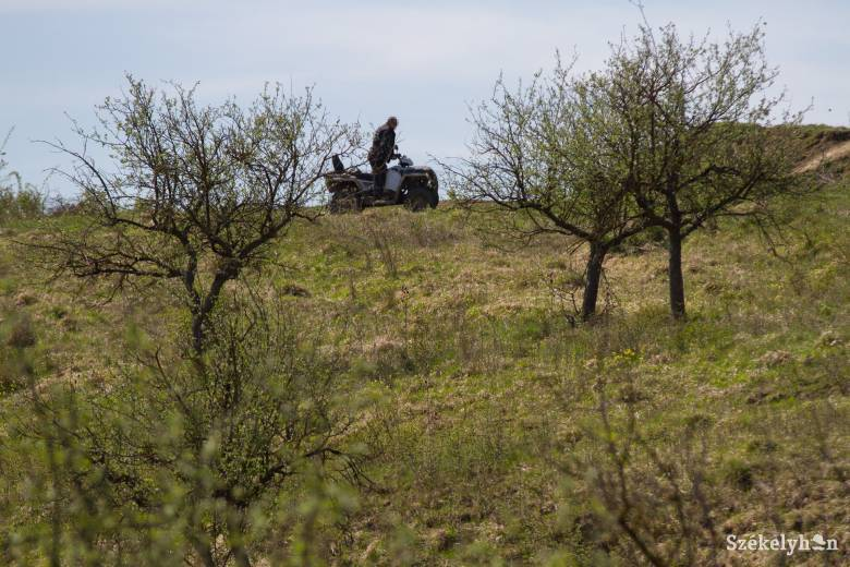Megbírságolhatók az erdőn-mezőn terepjárművekkel közlekedők