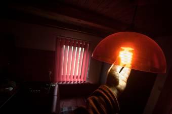 Csökkent tavaly az áramfogyasztás a nettó importőrré vált Romániában