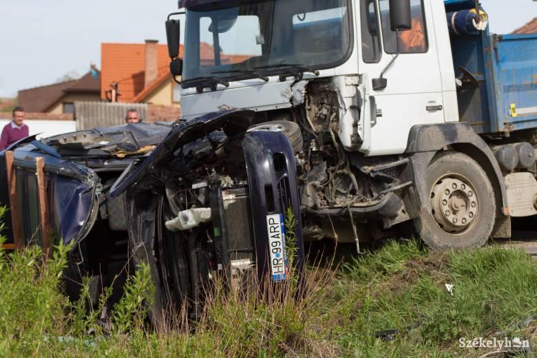 Három személy megsérült a farkaslaki balesetben