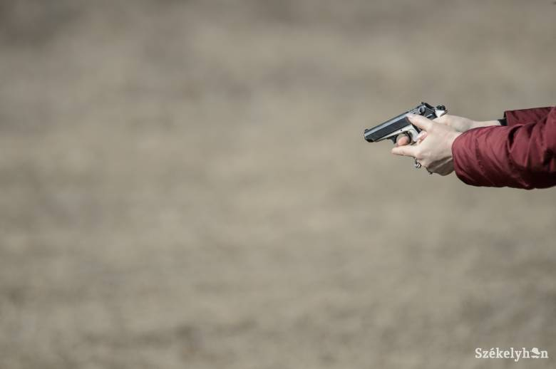 Lábon lőttek két rendőrt Háromszéken