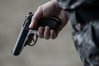 Lőtt sebbel a fején, holtan találtak rá egy katonára Vidombákon
