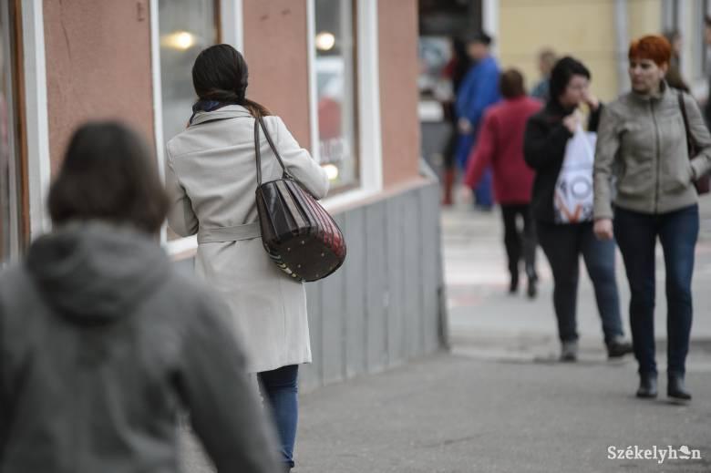 Mit rejtenek a női táskák?