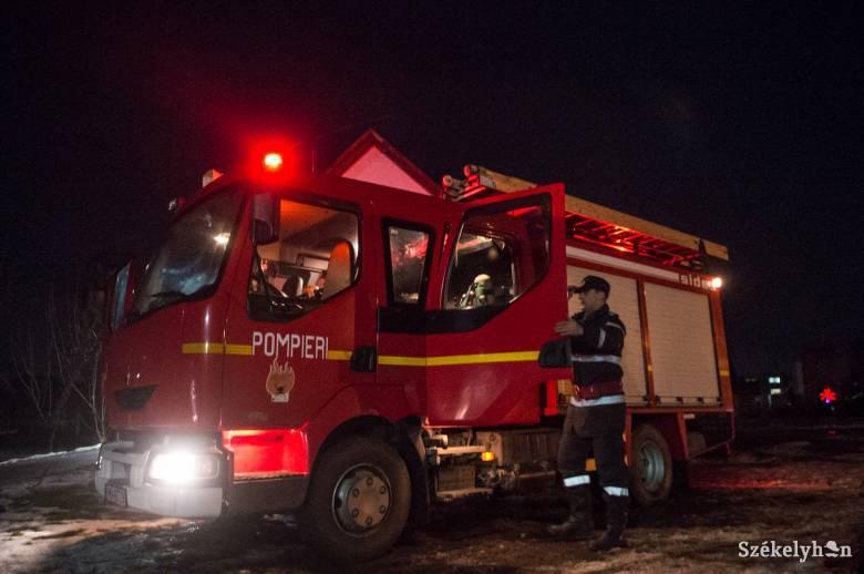 Egy lakóház két szobájában is égett a tűz Székelyszentkirályon