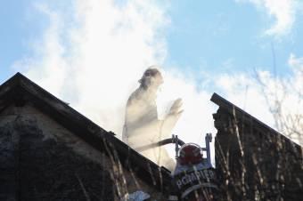Tűzesethez és kútba esett asszonyhoz siettek a tűzoltók