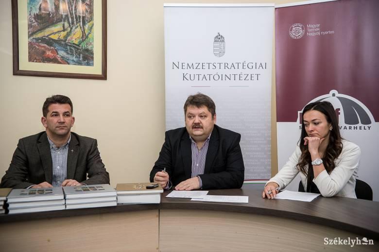 Nyolcszáz magyar diáknak segítenek a felkészülésben