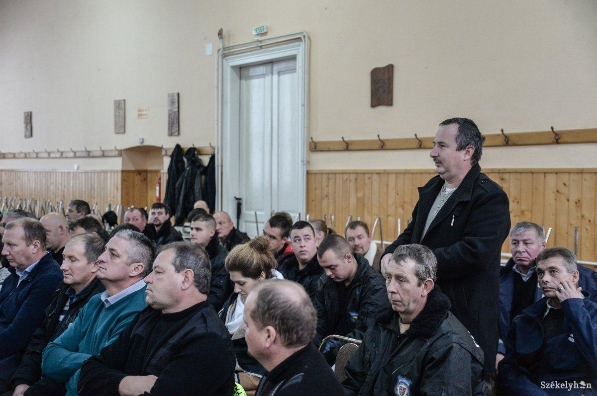 https://media.szekelyhon.ro/pictures/udvarhely/aktualis/2018/01_december/o_poplgarorsegek-talalkozoja-zetel-ba-15.jpg
