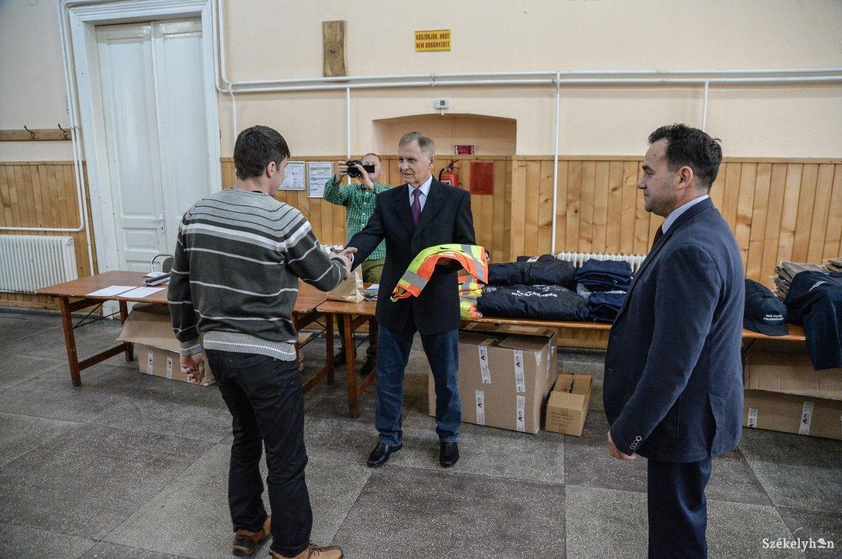 https://media.szekelyhon.ro/pictures/udvarhely/aktualis/2018/01_december/o_poplgarorsegek-talalkozoja-zetel-ba-8.jpg