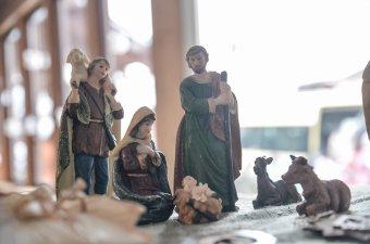 """""""Jézus nem Dior-cuccokban jött közénk"""" – Kémenes Lóránt Zoltán kolozs-dobokai főesperes a sallangmentes karácsonyról"""