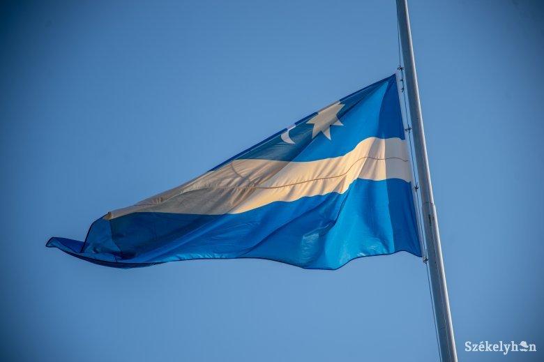 Trianoni évforduló: szóljanak a harangok, tűzzünk ki gyászszalaggal magyar vagy székely zászlót!