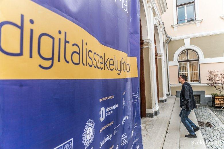 Lehetőség a felzárkózáshoz – Ezúttal Marosvásárhelyen zajlik a Digitális Székelyföld