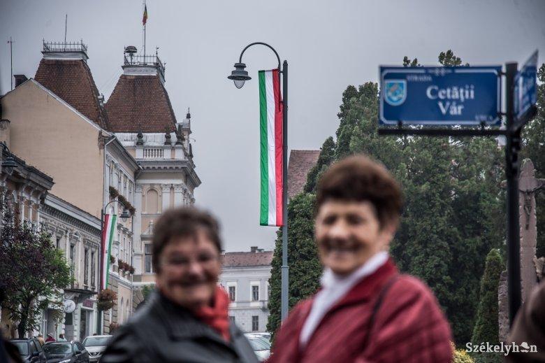Újabb székelyudvarhelyi zászlóbírságot érvénytelenített a bíróság