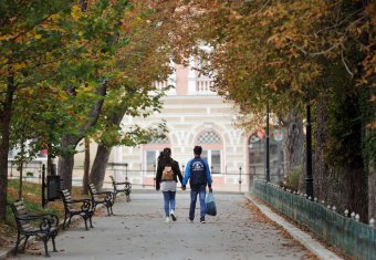 Szülői beleegyezéshez kötik a szexuális nevelés órákon való részvételt a romániai iskolákban