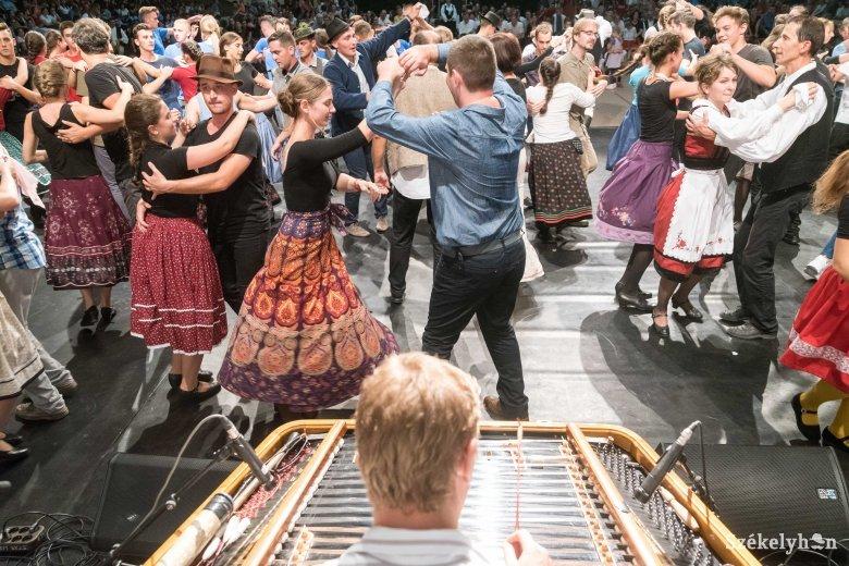 Eredményt hirdetett a BGA a 2019-es évi oktatási és kulturális pályázataira