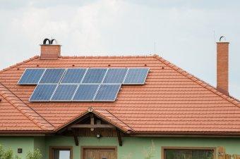 """""""Felvirrad"""" a napelemprogram: a lakosság másfél hét múlva szerződést köthet a kiválasztott szakcéggel, ám még sok a kérdőjel"""