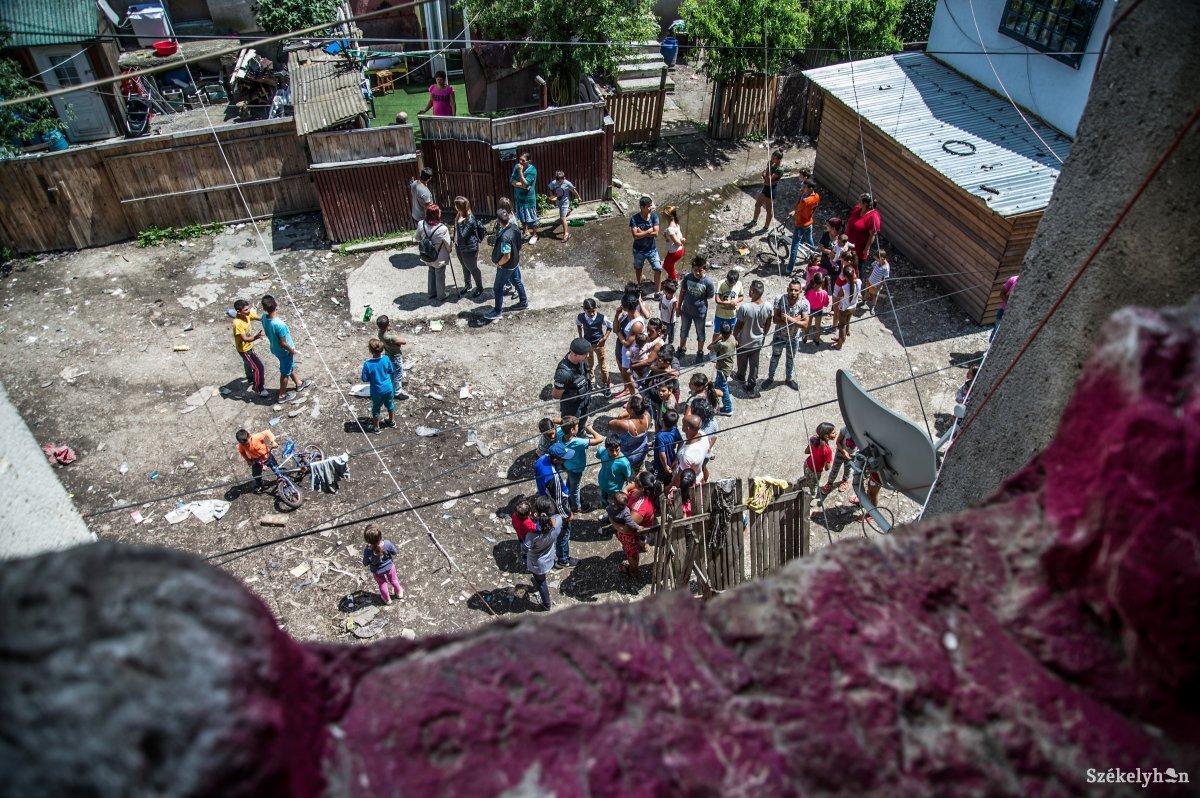 https://media.szekelyhon.ro/pictures/udvarhely/aktualis/2018/06_julius/o_budvar-blokkok-ba-37.jpg