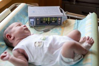 Tovább csökken Románia lakossága: történelmi mélypontra esett tavaly a születések száma