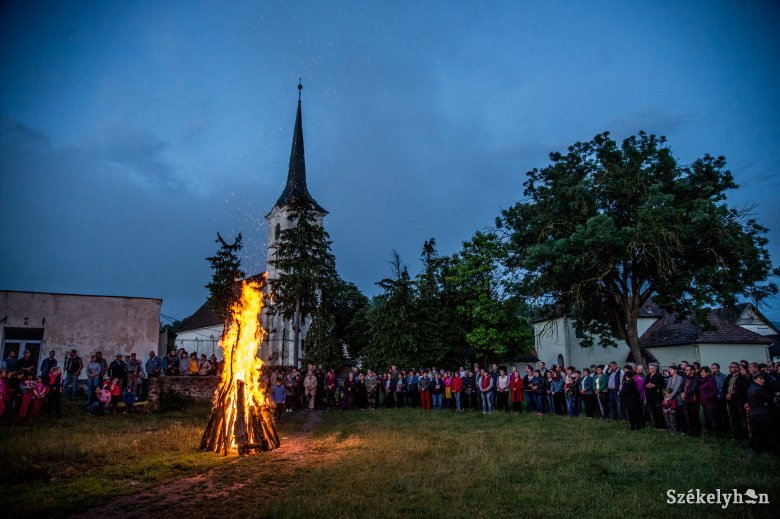 Több mint száz erdélyi településen helyezik el az emlékezés koszorúit Trianon centenáriumán