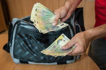 Újraszámoltatja a nyugdíjakat a munkaügyi miniszter, szóba se jöhet a 40 százalékos emelés