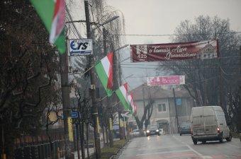 A maximálisan kiszabható bírságot adta a prefektus a Székelyudvarhelyen kifüggesztett magyar zászlók miatt