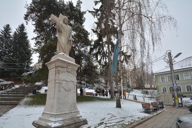 Új közösségi tér Székelyudvarhely legrégebbi köztéri szobránál