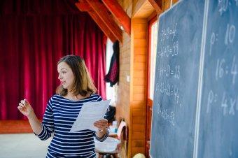 Megszavazták a pedagógusok kockázati pótlékát, de ezt még nem kell készpénznek venni