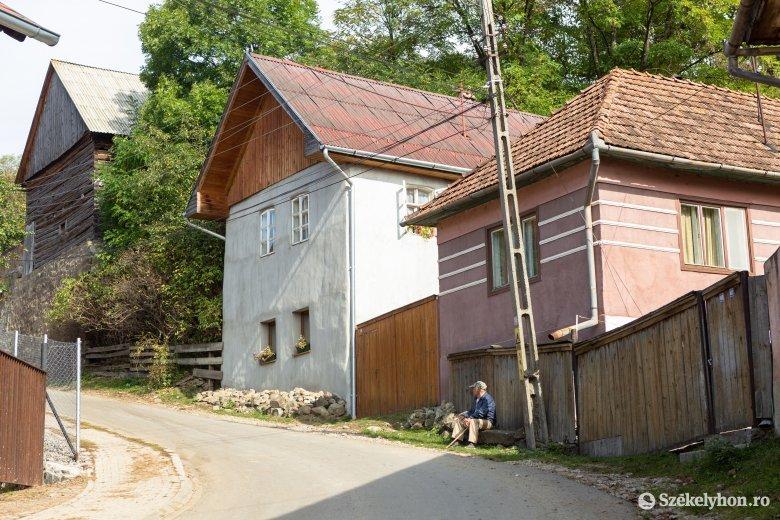 Támogatják a házak külső felújítását a rendezett faluképért Lövétén
