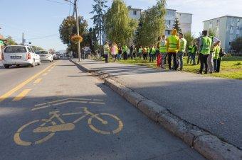 Közel ezren használják naponta a megkérdőjelezett biciklisávot