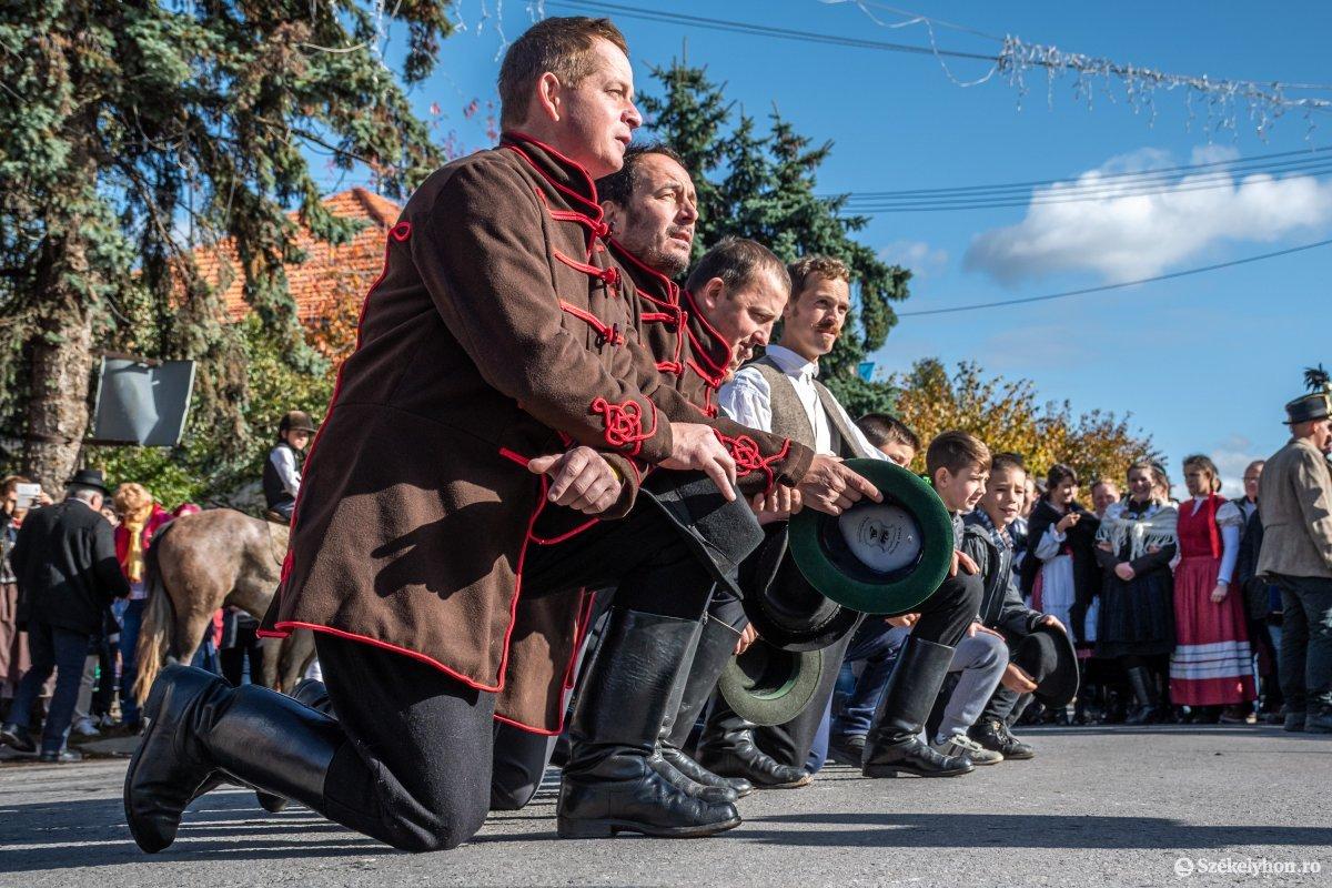 https://media.szekelyhon.ro/pictures/udvarhely/aktualis/2019/03_oktober/o_oszihadjarat-szentegyhaza-pnt-21.jpg