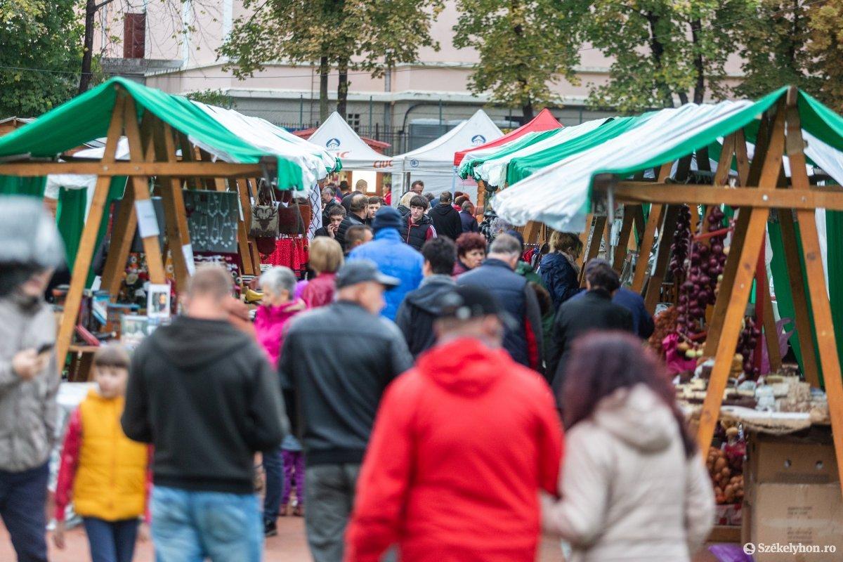 https://media.szekelyhon.ro/pictures/udvarhely/aktualis/2019/03_oktober/o_oszivasar-ebe-61.jpg