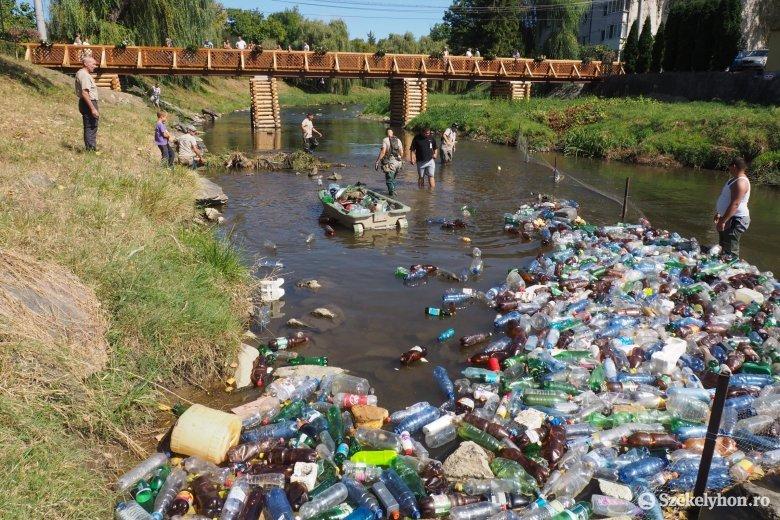 Környezetvédelmi minisztérium: a tárca erőfeszítéseket tesz a Magyarországot szeméttel elárasztó folyók megtisztítása érdekében