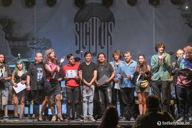 Itthon biztosítja a sikert a Siculus: magyar nyelven előadott saját szerzeménnyel jelentkezhetnek a zenekarok